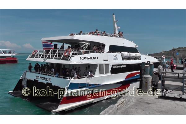Thongsala Pier mit Lomprayah.