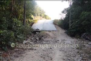 Kaputte Straße auf Koh Phangan.