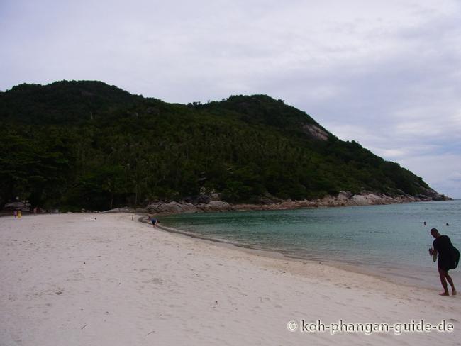 Blick auf die linke Strandseite des Bottle Beach.