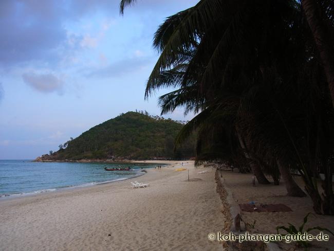 Blick auf die rechte Strandseite des Bottle Beach.